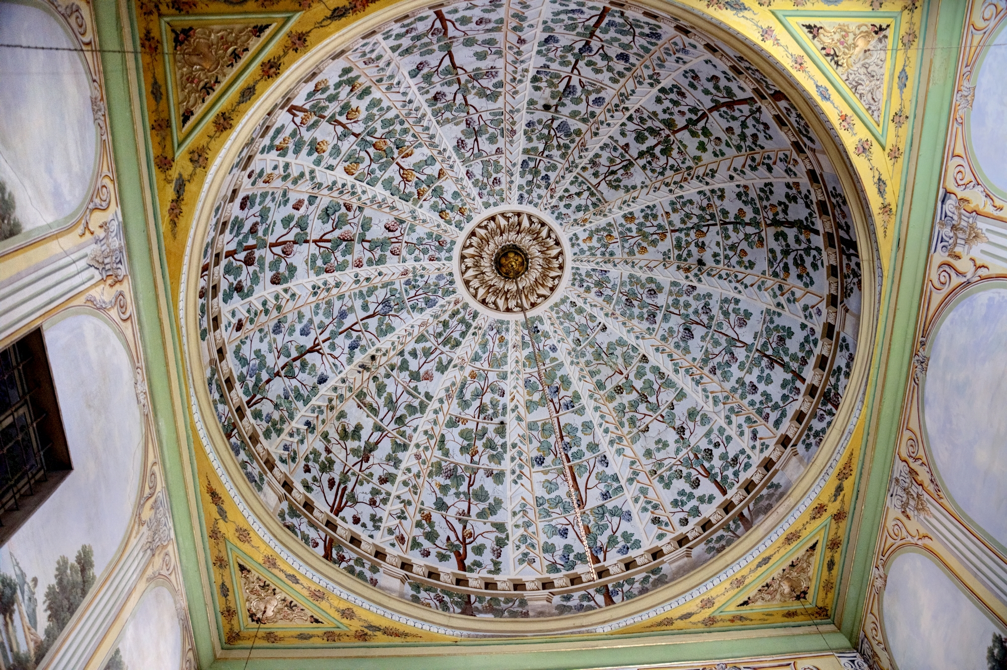 Domed ceiling of the harem room in Topkapı Palace in Istanbul