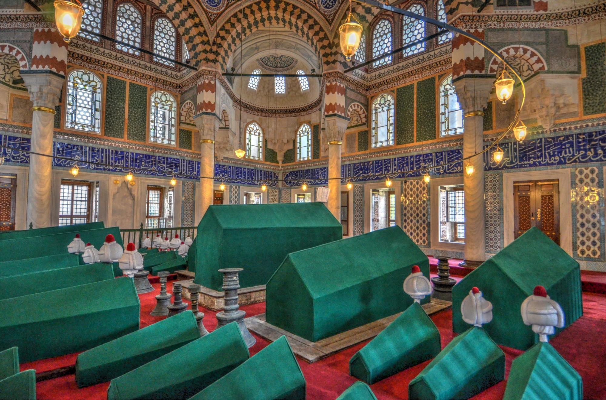 Sultan mausoleums near hagia sophia in istanbul turkish for Sophia house