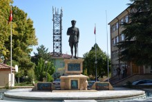 The statue of Atatürk in Avanos