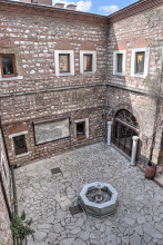Çukurçeşme Han in Istanbul - smaller courtyard from the upper arcade