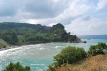 Ginolu Bay