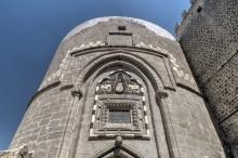 Hoşap Castle - Main Tower and Gate