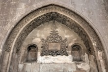 Ishak Pasha Palace - decoration of the fountain in the outer courtyard