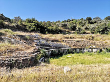 Magnesia on the Meander - the theatron