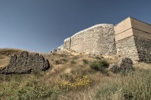 Van Fortress, Urartian walls in the foreground, Ottoman era and reconstructed walls in the background