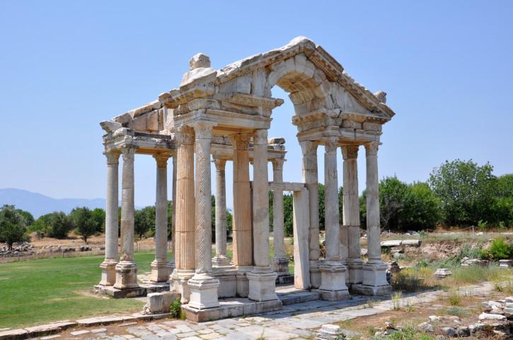 Tetrapylon in Aphrodisias
